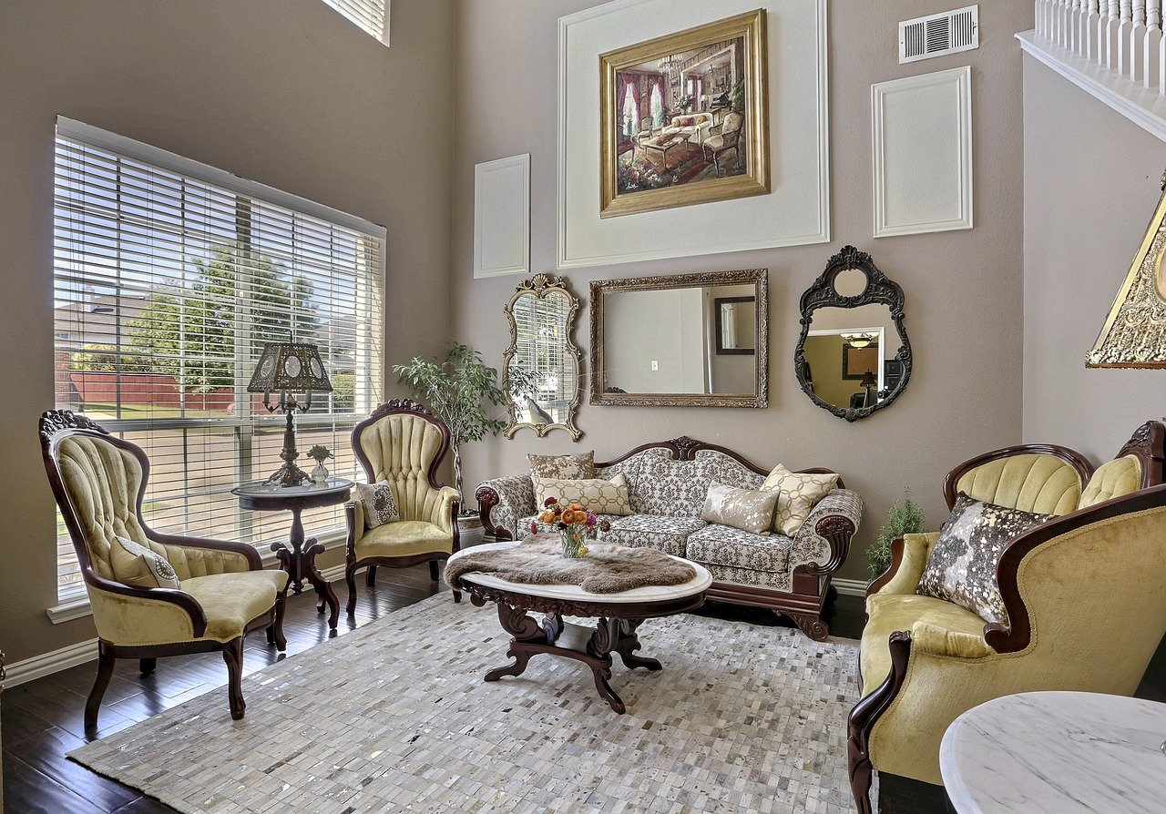 Quelle différence entre le décorateur et l'architecte ?